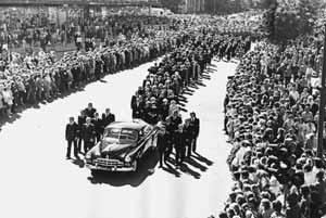 Beerdigungszug durch Tallinn