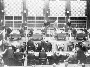 AVRO-Spielsaal während der 1. Runde am 6. 11. 1938