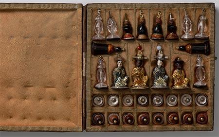 Schachfiguren-Etui des Herzog Carl Eugens von Württemberg